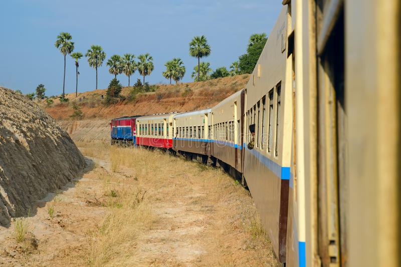 Train de Myanmar image stock