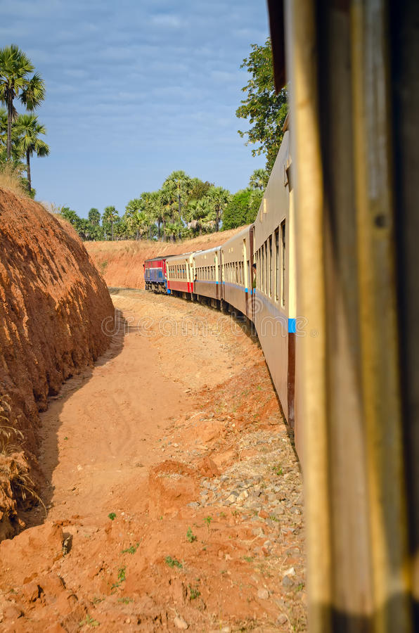 Train de Myanmar images libres de droits
