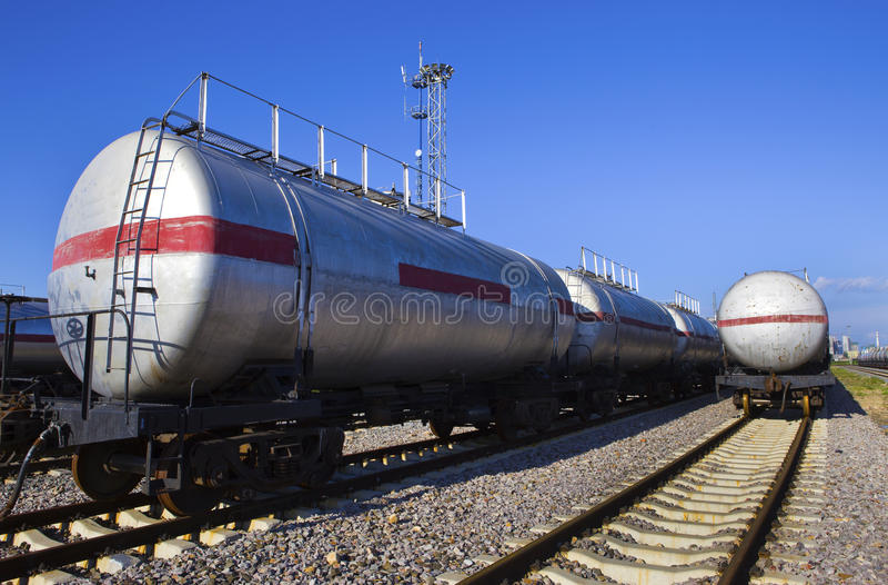 Train de réservoir de stockage de pétrole photographie stock libre de droits