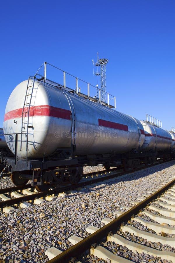 Train de réservoir de stockage de pétrole images libres de droits