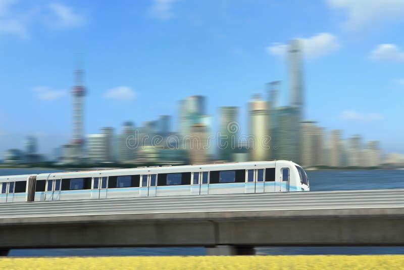 Train de transit de rail de Changhaï image stock