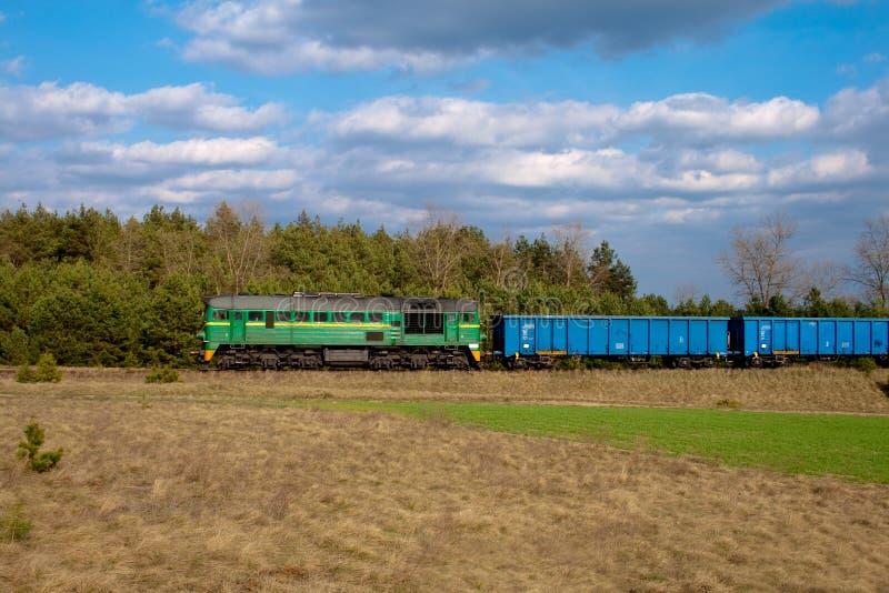 Train diesel de fret images libres de droits