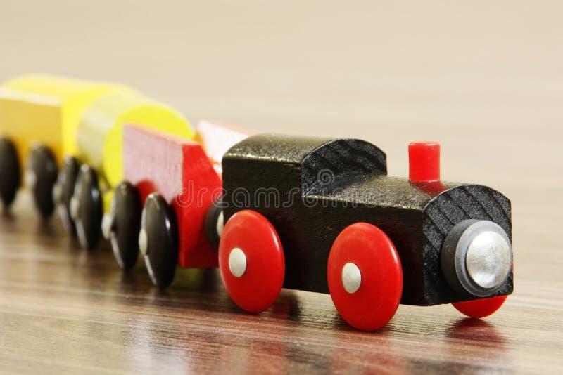 Train en bois de jouet photo libre de droits