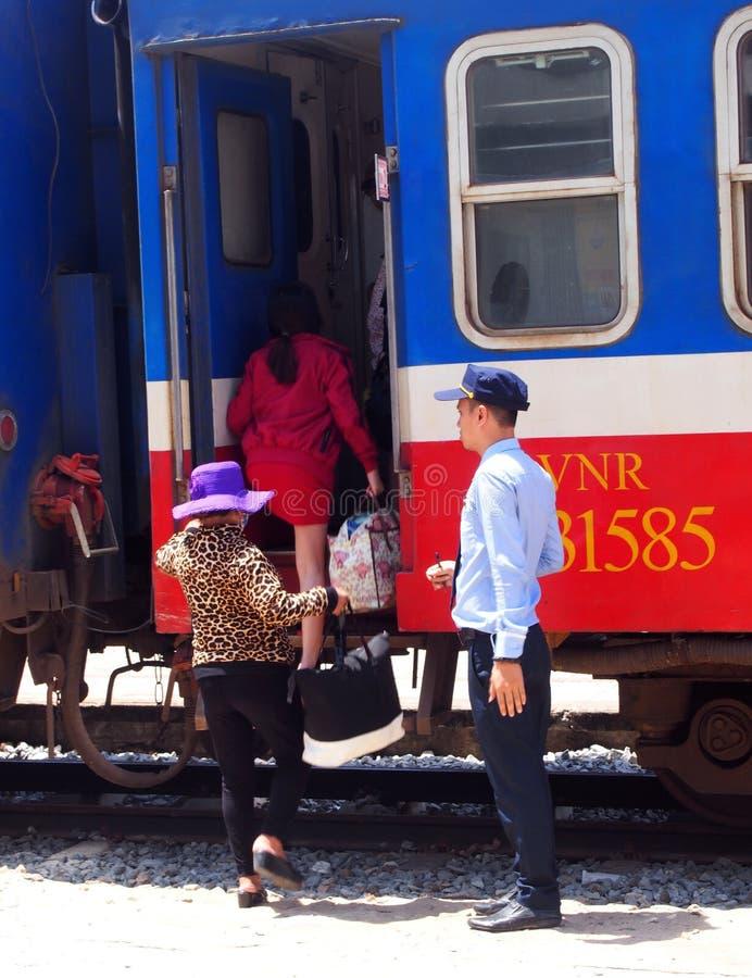 Train ferroviaire du Vietnam photographie stock libre de droits