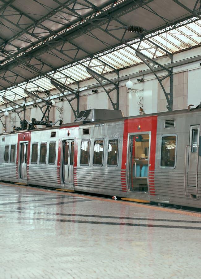 Train interurbain images libres de droits