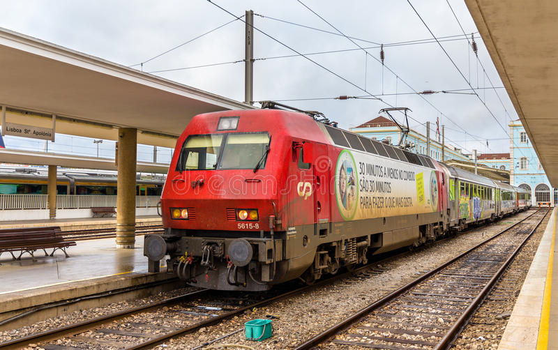 Train interurbain Lisbonne - Porto image libre de droits