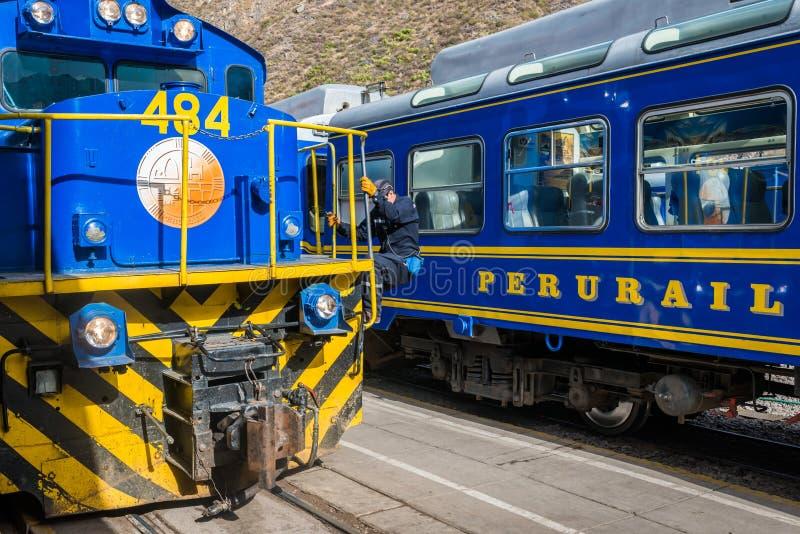Train les Andes péruviens Cuzco Pérou de Perurail photographie stock libre de droits