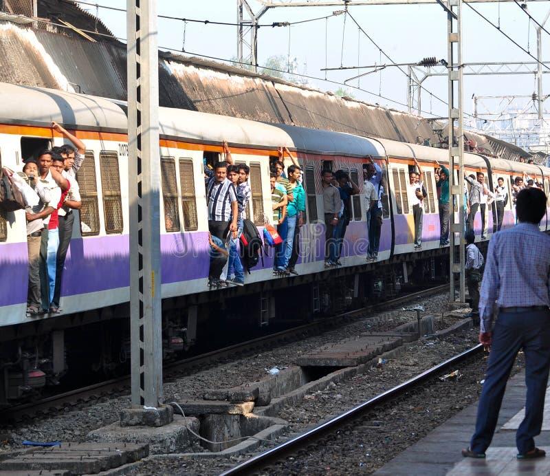 Train local de Mumbai photographie stock libre de droits