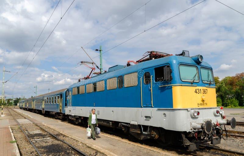 Train régional hongrois photographie stock libre de droits