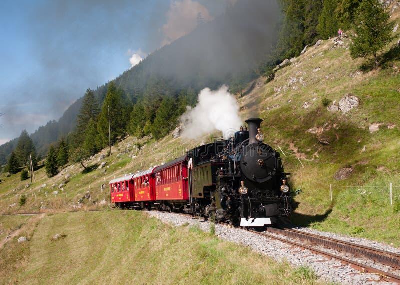 Train touristique de vapeur en Suisse photographie stock