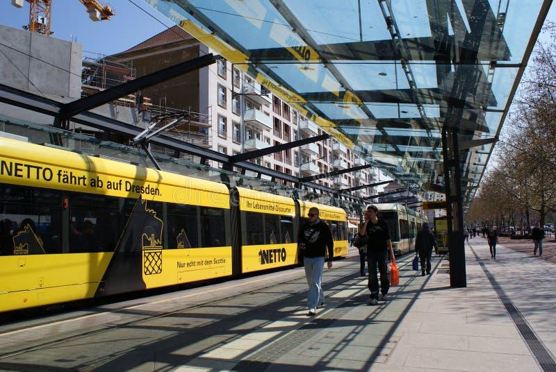 Train, tram, ville, la vie, jours de la semaine, temps photos libres de droits