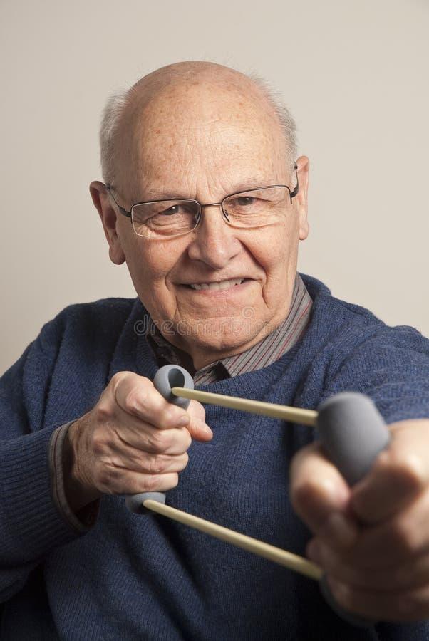 Trainieren des älteren Mannes lizenzfreies stockbild