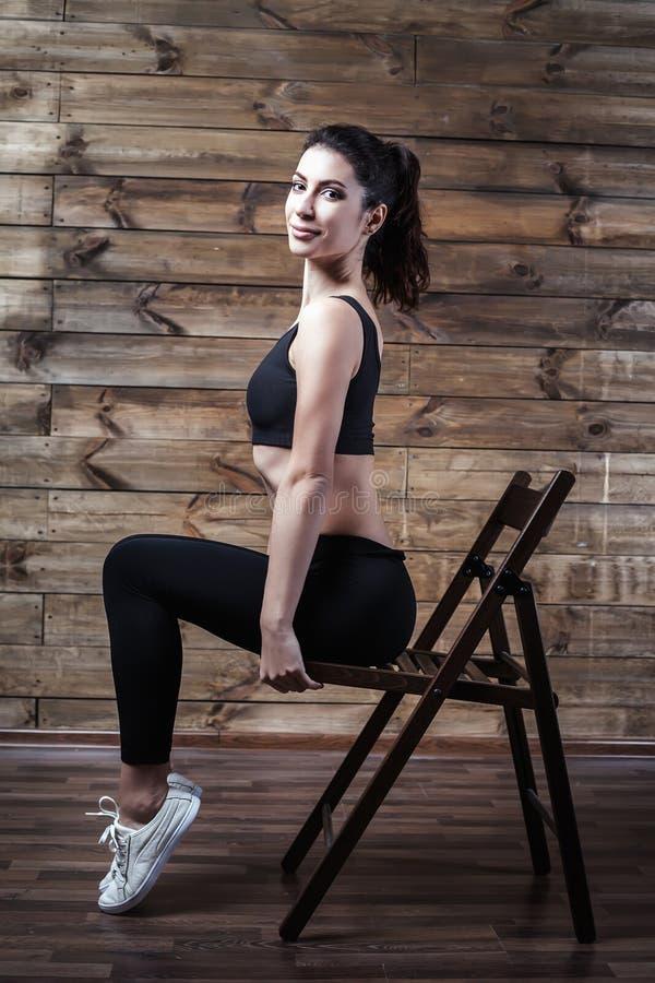 Fitness-Regime, um zu Hause Gewicht zu verlieren