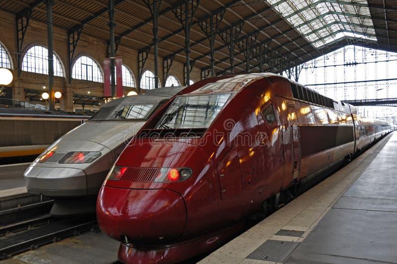 Trains à grande vitesse image libre de droits