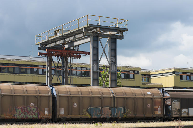Trains de chargement photo stock