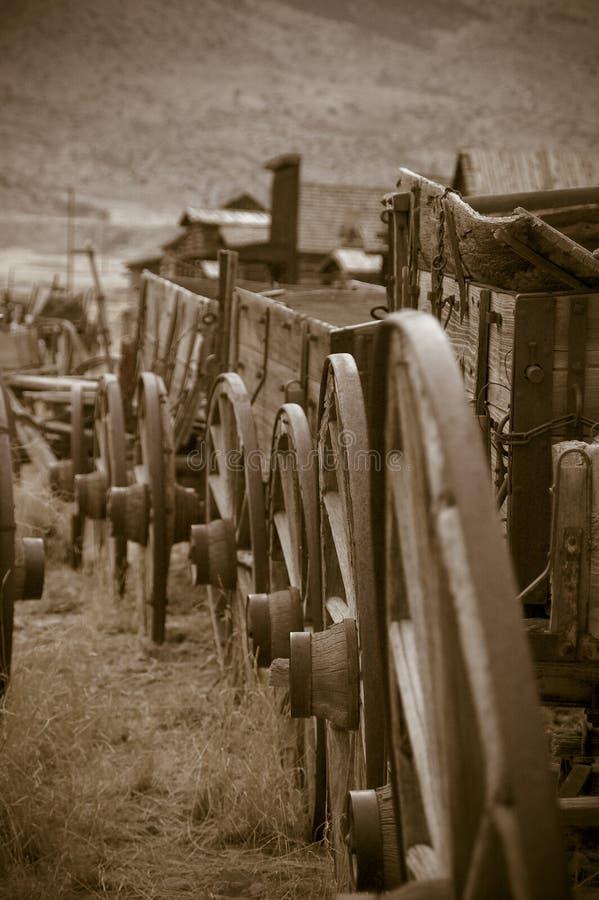Trains de chariots photographie stock libre de droits