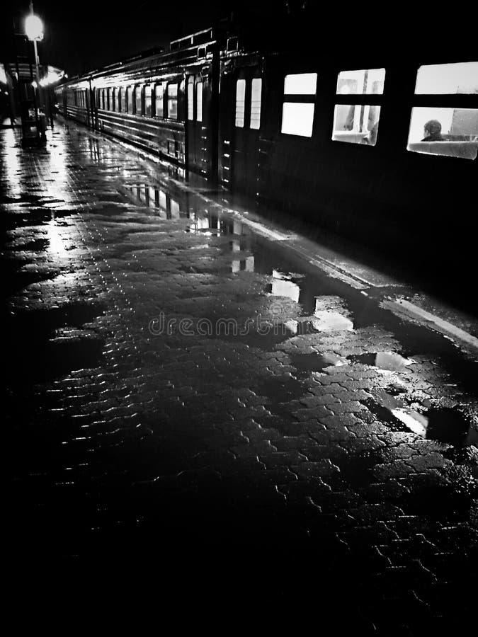 Trainstation após a chuva fotos de stock