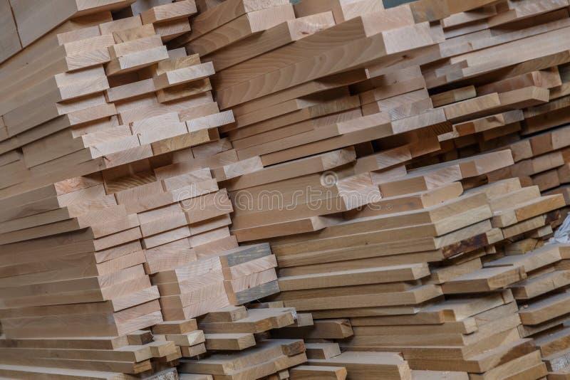 traitement de bois Travail de menuiserie Meubles en bois Matériau de construction en bois de bois de construction pour le fond et photographie stock