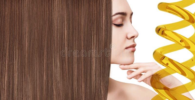 Traitement de cheveux par thérapie d'huile dans la spirale photographie stock libre de droits
