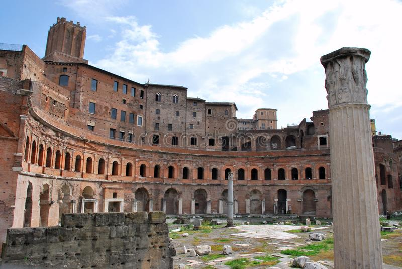 Trajan forum i Rome, Italien arkivfoton