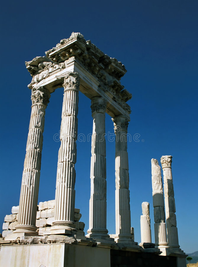 trajan pergamon s tempel royaltyfri foto