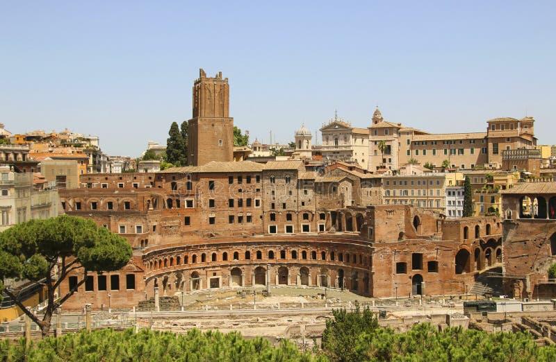 Trajan ` s论坛废墟在罗马,意大利 库存照片