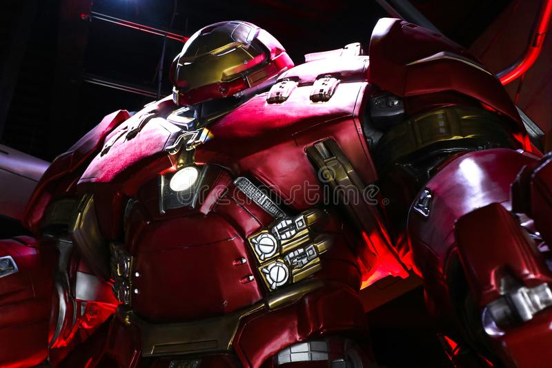 Traje de Buster Iron Man do casco na base de Tony Stark imagem de stock
