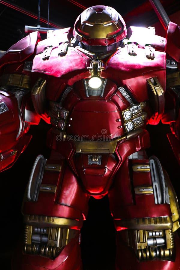 Traje de Buster Iron Man do casco na base de Tony Stark imagem de stock royalty free
