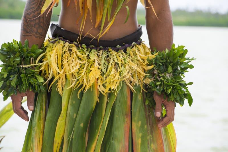 Traje de un bailarín en el South Pacific