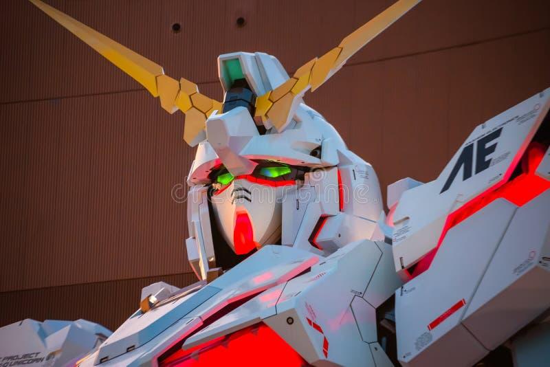 Traje móvil del mismo tamaño RX-0 Unicorn Gundam en el buceador City Tokyo Plaza en Tokio, Japón imágenes de archivo libres de regalías
