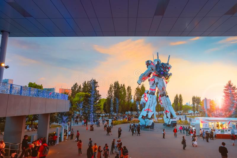 Traje móvil del mismo tamaño RX-0 Unicorn Gundam en el buceador City Tokyo Plaza en Tokio, Japón fotografía de archivo libre de regalías