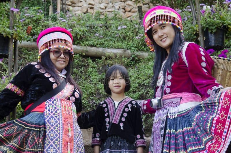 Traje que lleva de la gente tailandesa de las mujeres tradicional del hmong étnico FO fotos de archivo libres de regalías