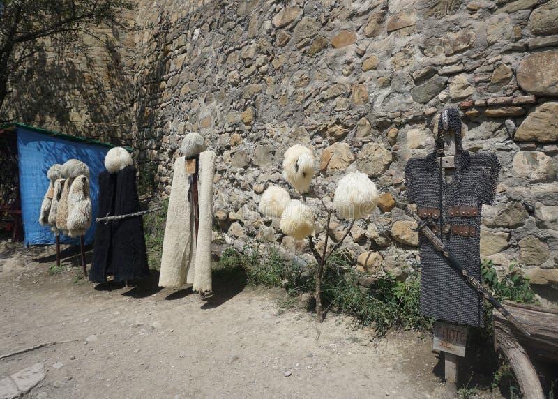 Traje tradicional georgiano fotos de archivo