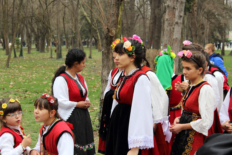 Trajes nacionais búlgaros imagens de stock