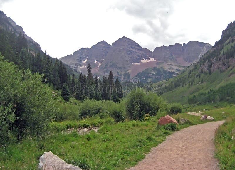 Trajeto da montanha rochosa fotografia de stock royalty free