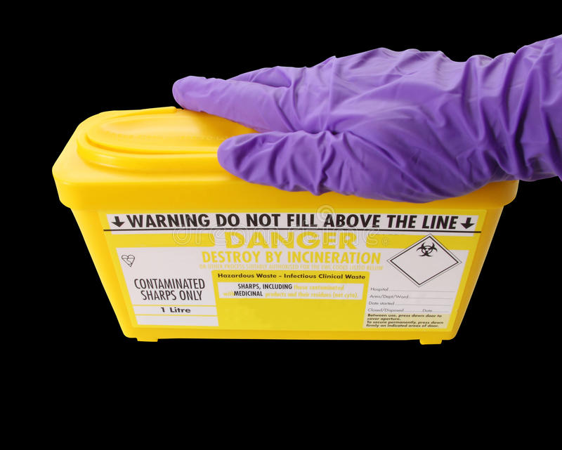 Trajeto de grampeamento amarelo da caixa dos Sharps foto de stock royalty free