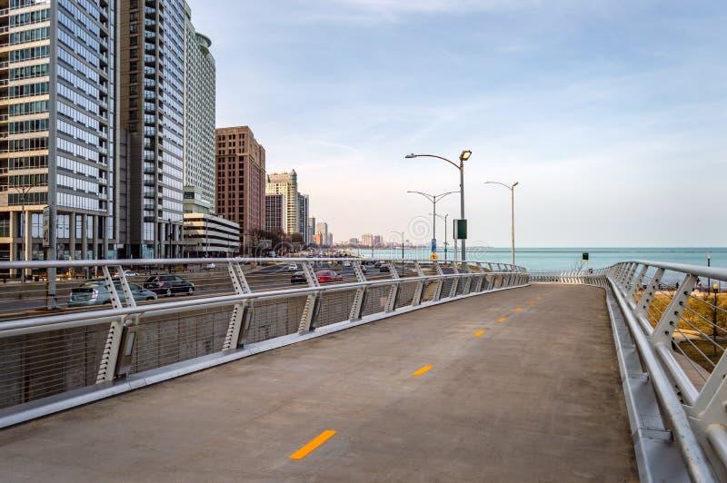 Trajeto do acercamento das proximidades do lago ao longo da movimentação da costa do lago em Chicago Ruas principais em Illinois fotos de stock royalty free
