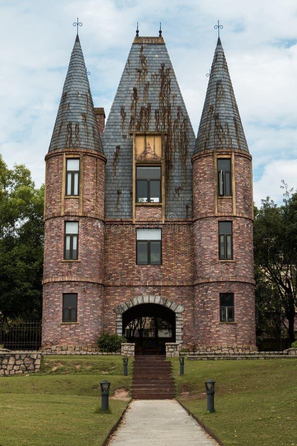 Trajeto a um castelo imagem de stock