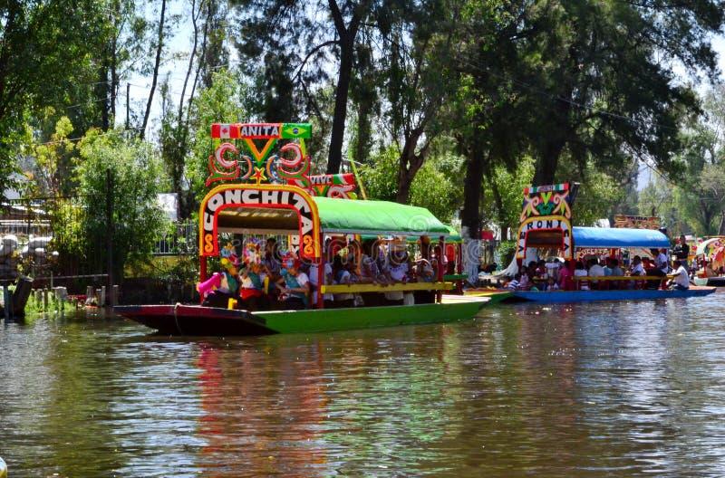 Trajinera de Xochimilco fotografia stock libera da diritti