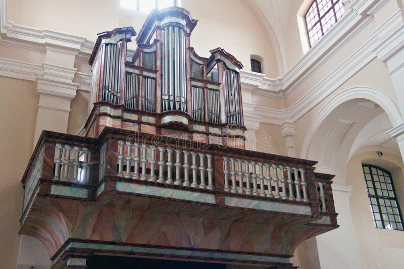 TRAKAI, ЛИТВА - 2-ОЕ ЯНВАРЯ 2013: Орган музыки римско-католической церков St Mary стоковые фото