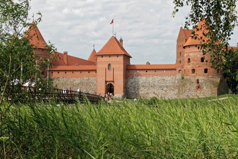 Trakai, Lituânia - castelo no lago imagem de stock