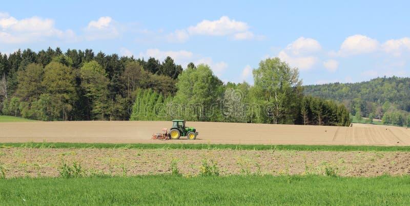 Traktor. arkivbilder
