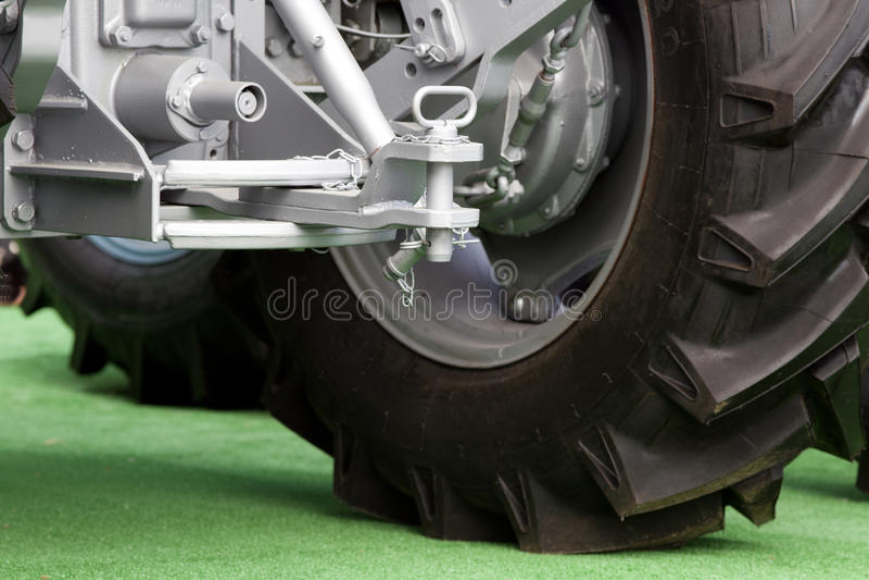 Traktorhake- och släpstång royaltyfri bild