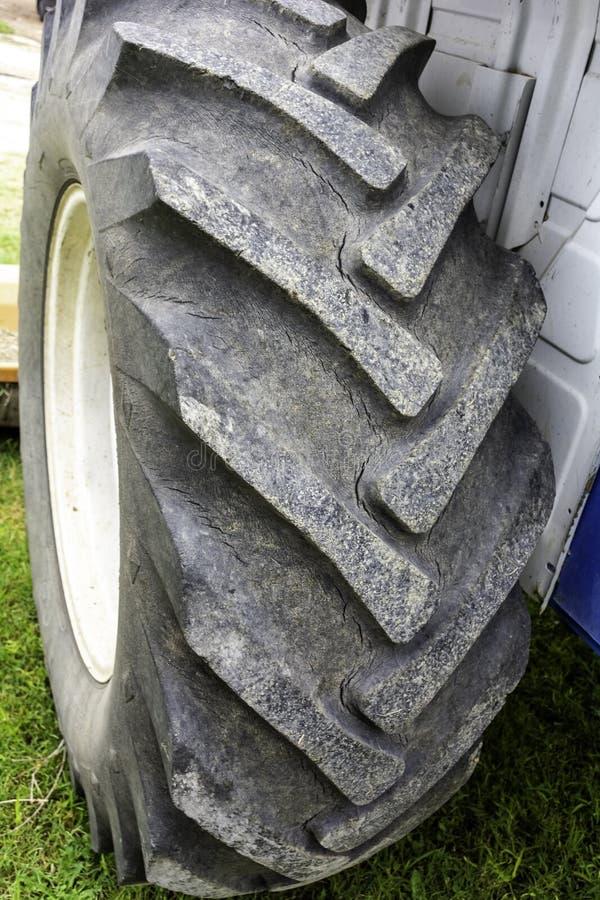 Traktorreifenabschluß oben lizenzfreie stockfotos