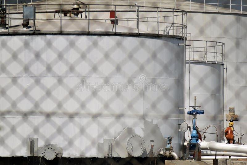 TRAKTOWANIE rafineria ropy naftowej zdjęcia royalty free