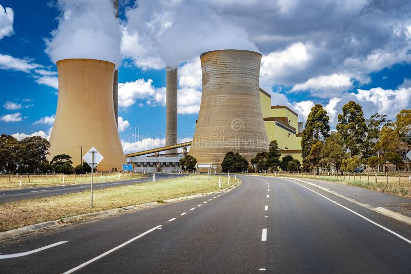 Tralalgon, Victoria, central elétrica a carvão de Austrália - de Loy Yang imagens de stock
