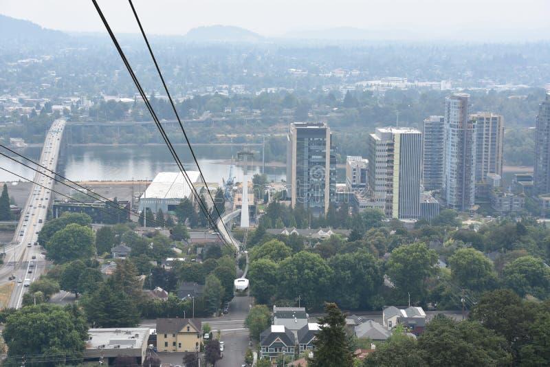 Tram aérien de Portland ou tram d'Oregon Health et d'Université des Sciences photographie stock libre de droits