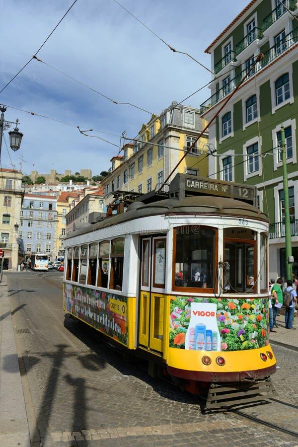 Tram antique à Lisbonne, Portugal images libres de droits