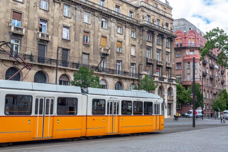 Tram a Budapest storica, Ungheria immagini stock libere da diritti