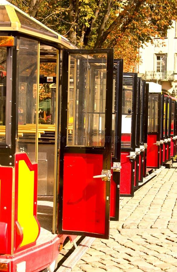 Tram coloré d'excursion photo stock